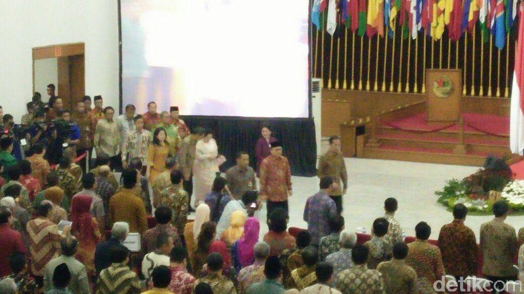 Jokowi Datang di Peringatan Hari Lahir Pancasila, 'Dikawal' Megawati dan Boediono