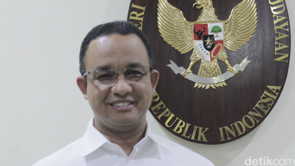 Suara Bergetar Anies Baswedan Kala Pamit pada PNS Kemendikbud