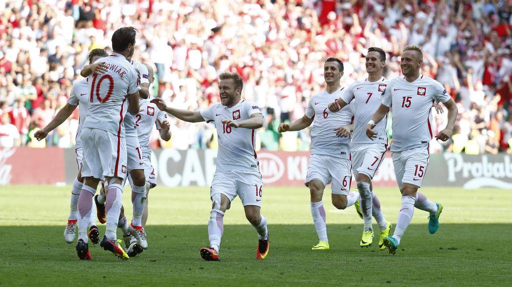 Singkirkan Swiss Lewat Adu Penalti, Polandia ke Perempatfinal