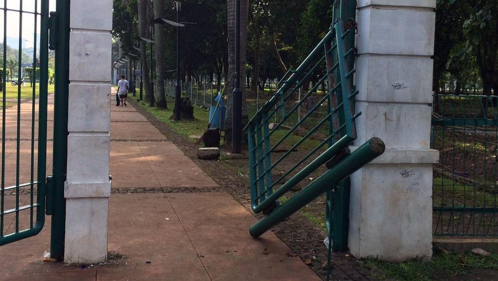 Polisi Cari Benang Merah Penyerangan Toko Suvenir Jakmania dengan Rusuh di GBK
