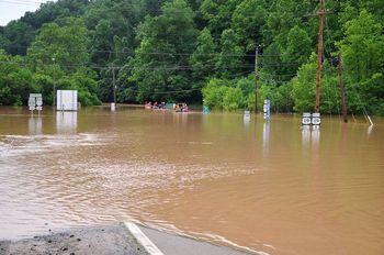 Banjir Landa West Virginia AS