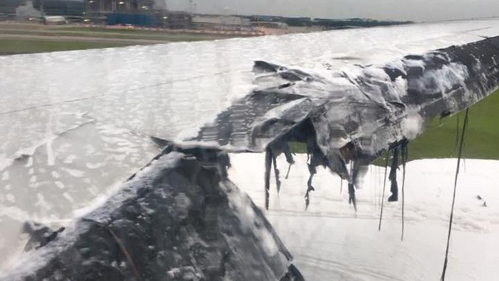 Sebelum Api Berkobar, Penumpang Singapore Airlines Tepuk Tangan Usai Mendarat