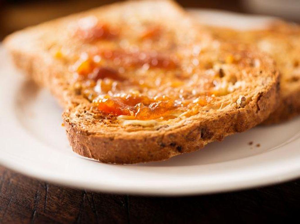 Mengapa Roti Tawar yang Dipanggang Rasanya Lebih Enak?