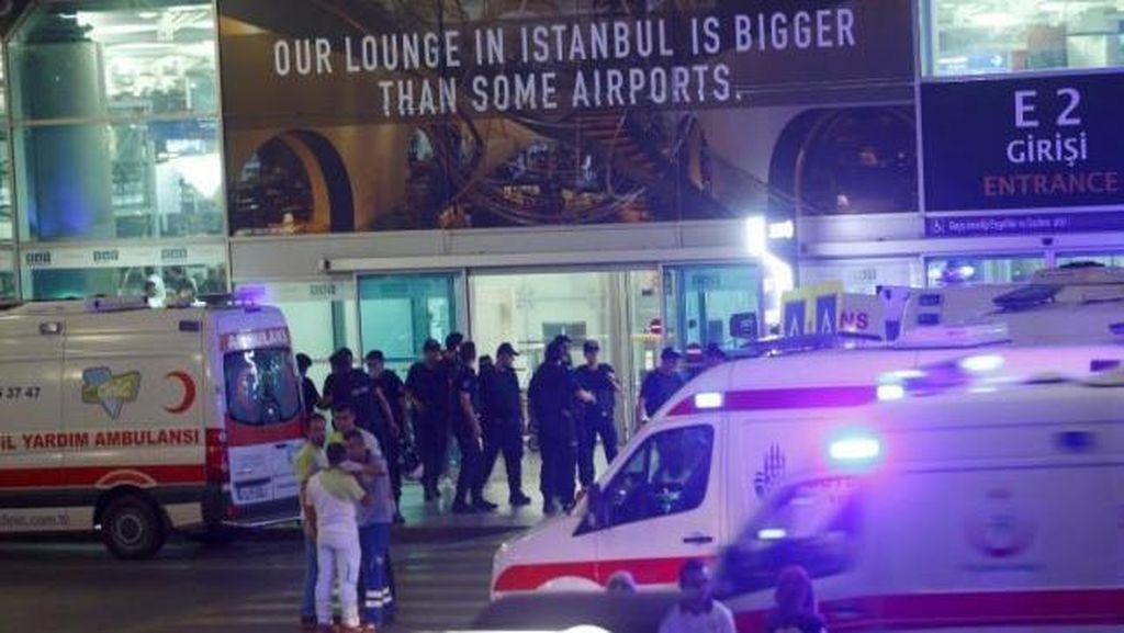 Sebelum Meledakkan Bom di Bandara Istanbul, 3 Pelaku Menembak Membabi-buta