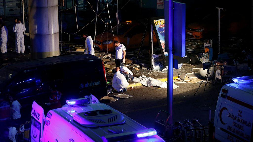 Pelaku Sempat Ditembak Polisi Sebelum Meledakkan Diri di Bandara Istanbul