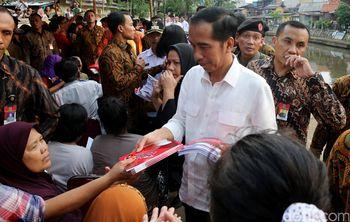 Jokowi Sapa Warga Kwitang