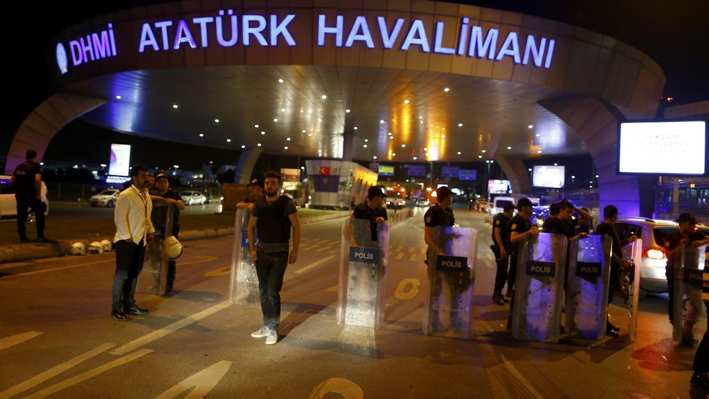 Bersembunyi di Musala, Sue Savage Selamat dari Bom Bunuh Diri di Istanbul