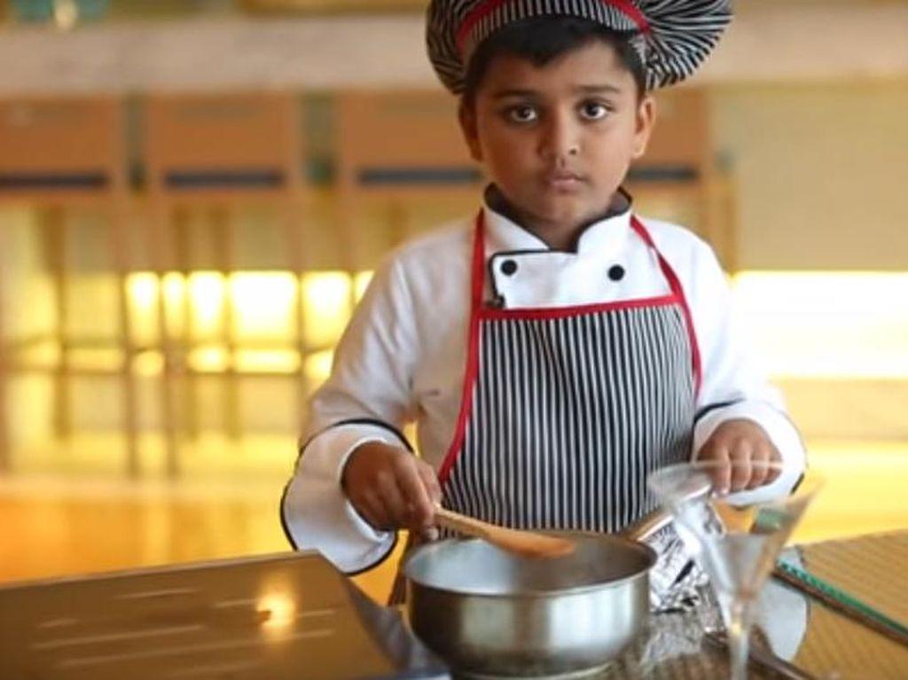 Unggah Video Es Krim Mangga, Bocah 6 Tahun Ini Dapat Rp.26 Juta dari Facebook