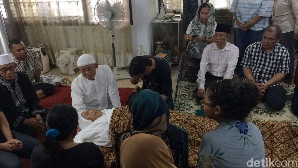 Tokoh Pendidikan Prof Winarno Surakhmad Berpulang