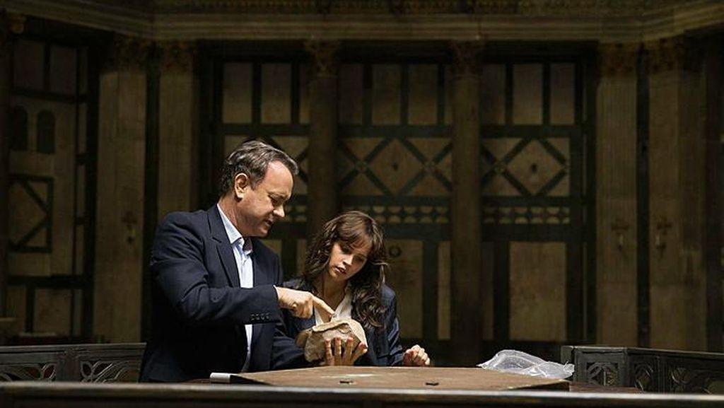 Tom Hanks Bicara Perubahan Karakter Robert Langdon di 'Inferno'