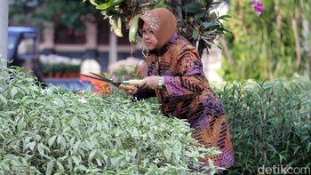 Risma Pastikan Panggung Welcome Dinner Prepcom III Aman
