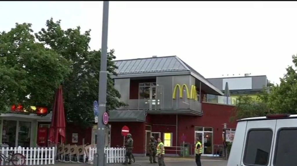 Saksi: Pelaku Tembak Anak Kecil yang Makan di Restoran Cepat Saji di Munich