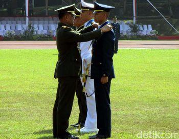 Panglima TNI Lantik 171 Perwira Prajurit Karir