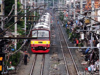 Pengurangan Jumlah KRL di Stasiun Manggarai