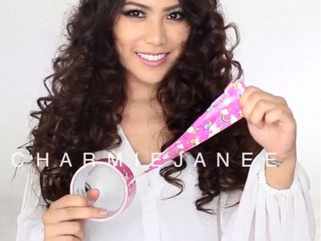 Mudah & Hemat, Blogger Ungkap Cara Mengeriting Rambut dengan Selotip