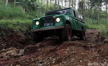 Mencoba Offroad di Hutan Tangkuban Perahu