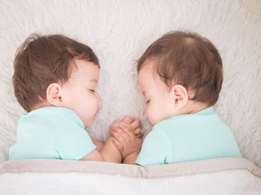 Daftar Ibu-ibu yang Melahirkan Anak Kembar Lebih dari Sekali