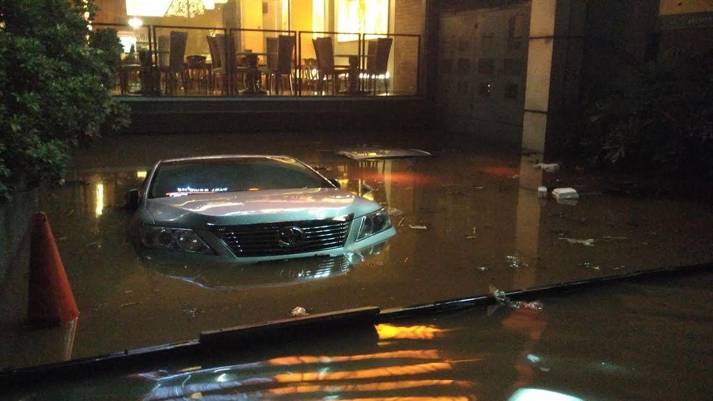 Jakarta Selatan Kebanjiran, Ahok: Saya Jamin Hitungan Jam Selesai