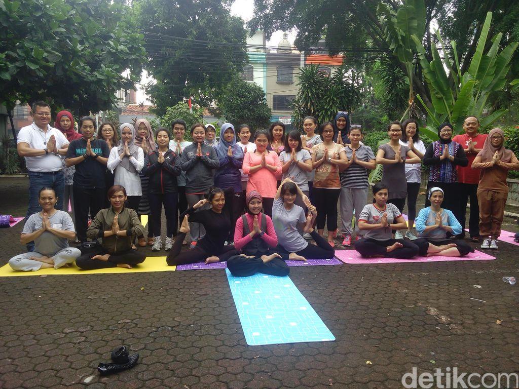 Serunya! Begini Suasana Yoga Bersama Komunitas Healthy Friends dan Mira Sahid