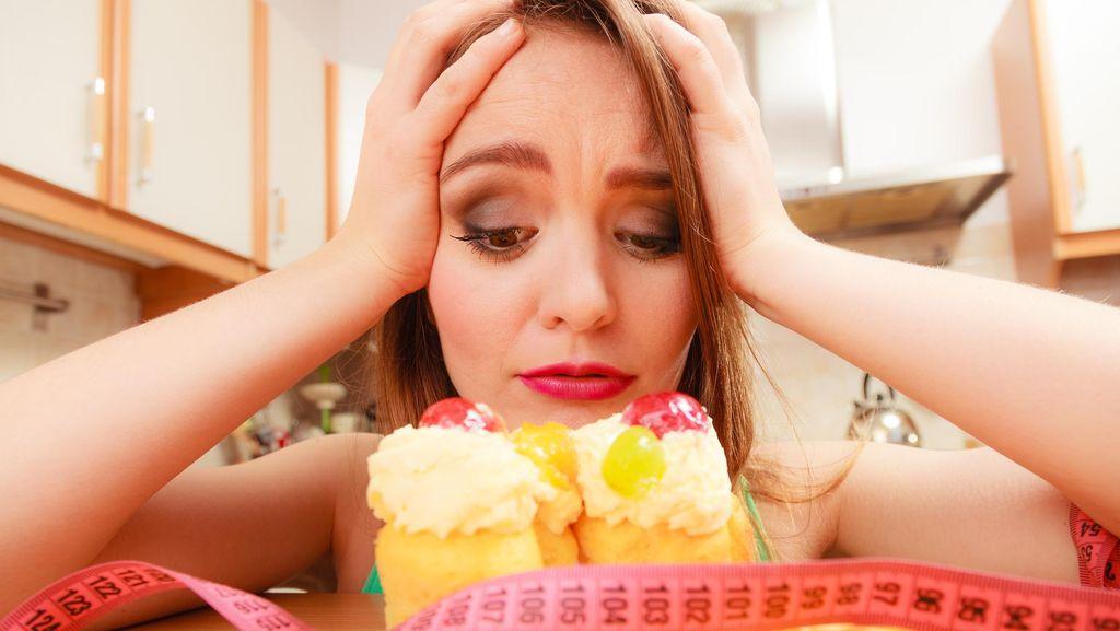 Tiba-tiba Lapar di Malam Hari, Baiknya Makan atau Tidak?