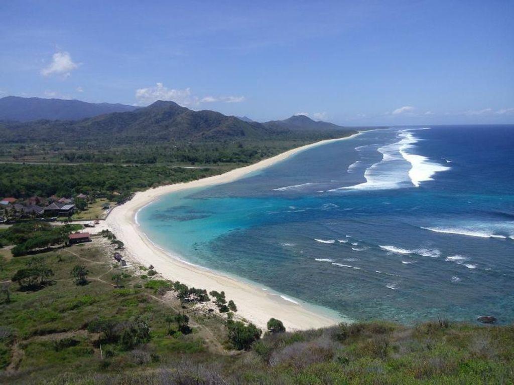 Tropical, Pantai Cantik di Sumbawa Barat