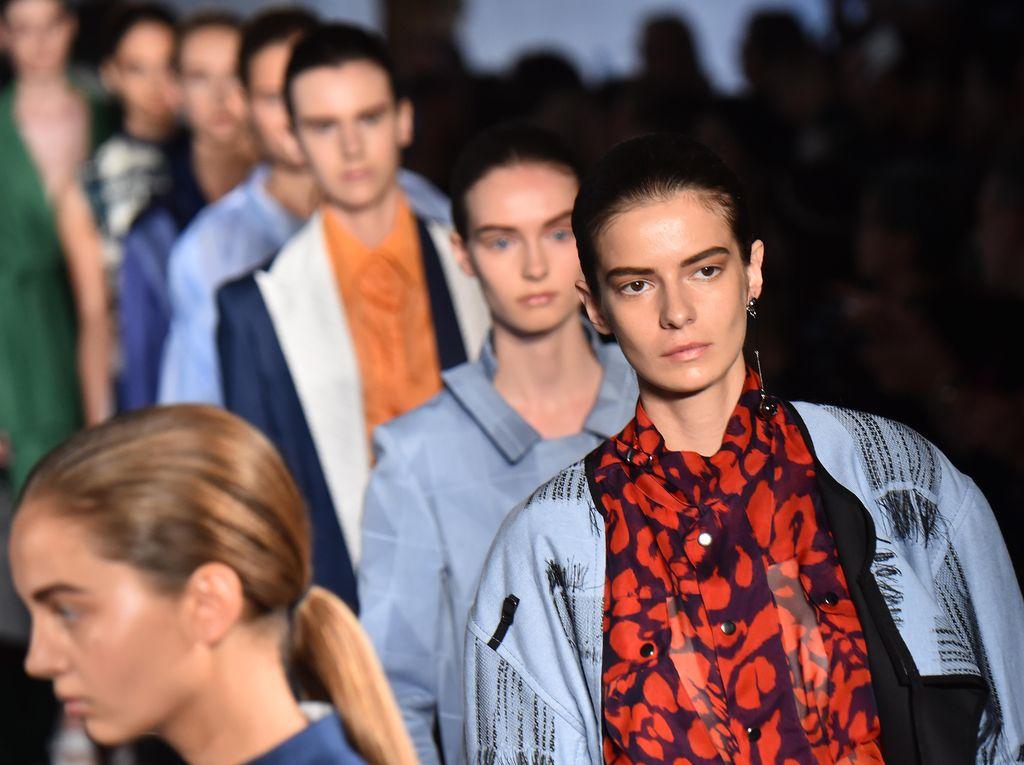 5 Tren Fashion Terhangat dari Milan Fashion Week 2017