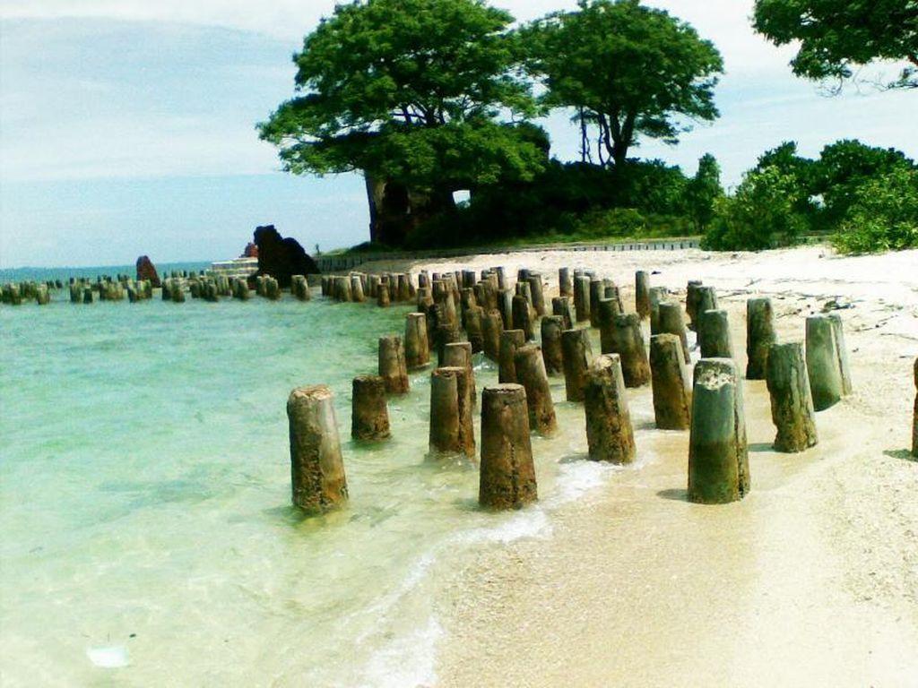 Wisata Ke 3 Pulau di Utara Jakarta: Onrust, Cipir, dan Kelor