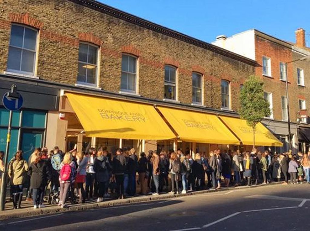 200 Orang Lebih Antre pada Pembukaan Dominique Ansel Bakery London