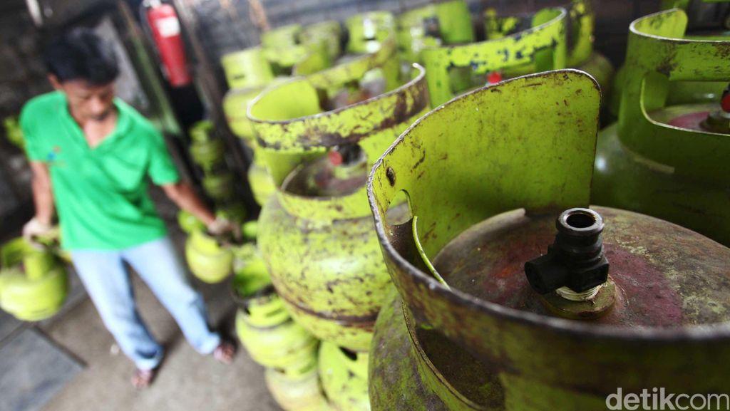 Di Depok Ada Tabung Gas 3 Kg Diduga Dioplos Air, Warga Lapor Polisi