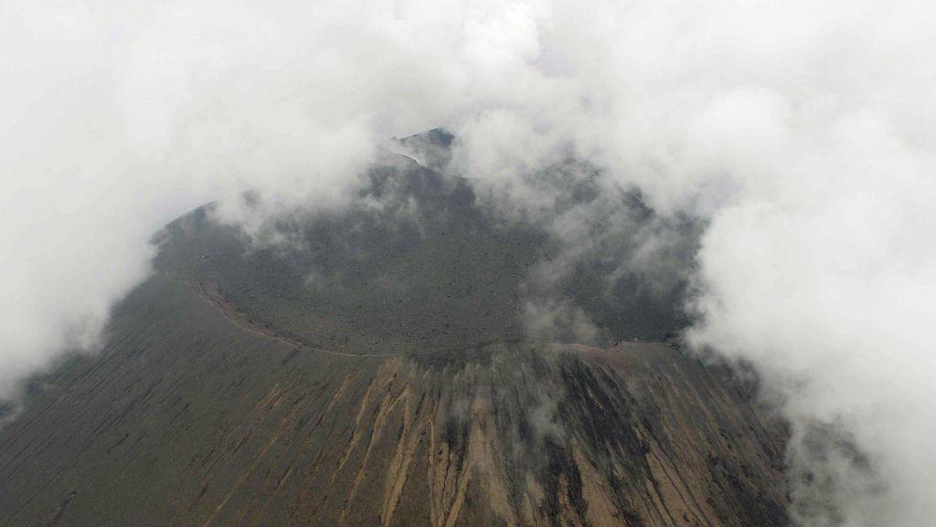 Gunung Berapi Asama di Jepang Meletus