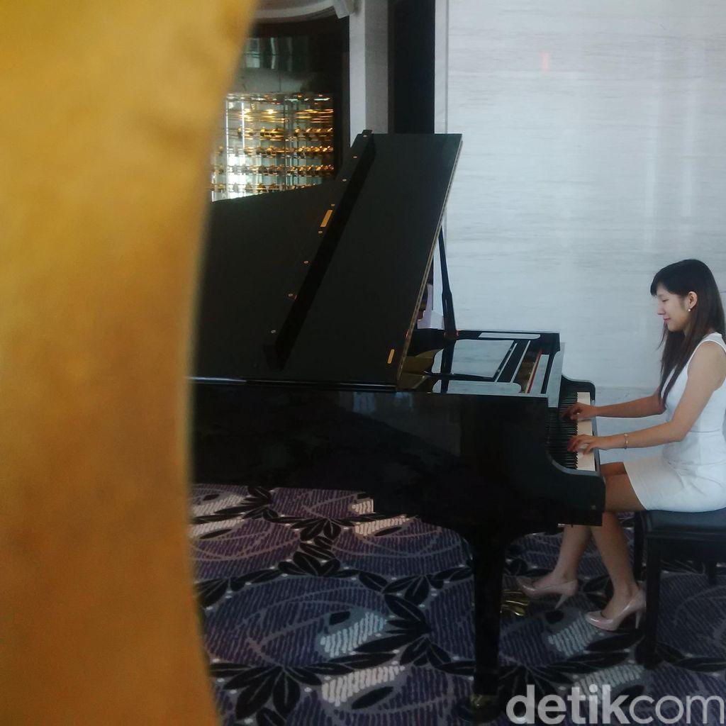 Nitya, Pianis Muda Surabaya yang Ingin Sebarkan Virus Musik Klasik