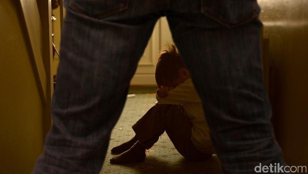 Pria ini Tepergok Sembunyi di Kamar Mandi Setelah Cabuli Siswi SMP