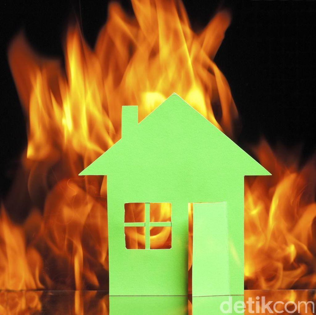 Kursi yang Terbakar di Lantai 20 Gedung DPR Diduga Karena Rokok