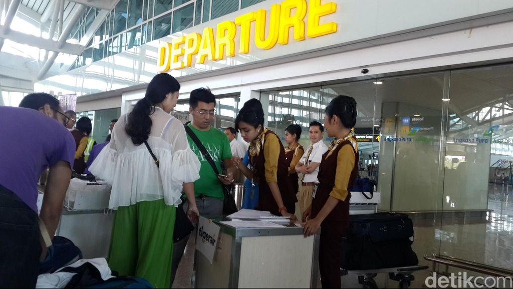 Delay Akibat Runway Bandara Ngurah Rai Terkelupas Berakhir Usai 2 Jam
