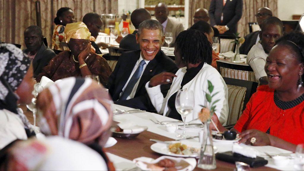 Tiba di Kenya, Obama Makan Malam dengan Keluarga Ayahnya