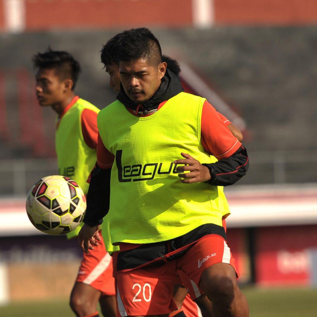 Yang Terbaik Dari Legenda Sepak Bola Indonesia