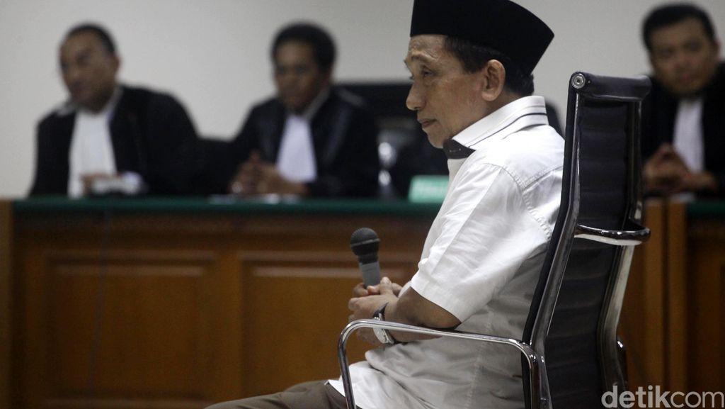 Terbukti Korupsi-TPPU, Fuad Amin Divonis 8 Tahun Bui dan Denda Rp 1 Miliar