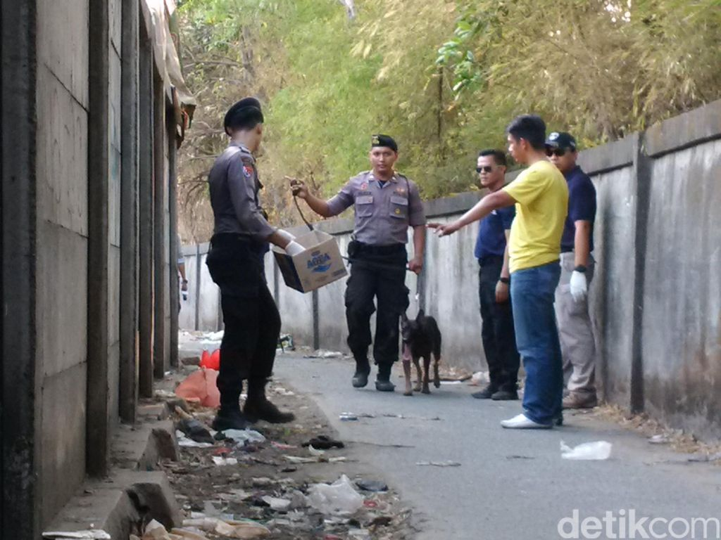 Polisi Analisis Rekaman CCTV, Ada Pemotor Bawa Kardus Melintas
