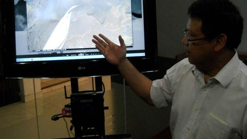 CCTV Pemantau Merapi Terganggu Bendera Pendaki, ini Respons Kepala BPPTKG
