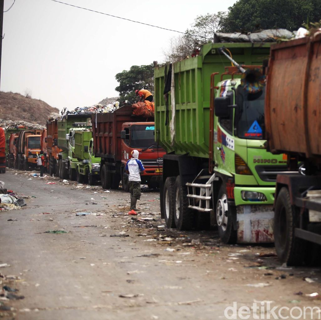 Dinas Kebersihan DKI Beli 91 Truk Kompaktor untuk Wilayah Strategis Jakarta