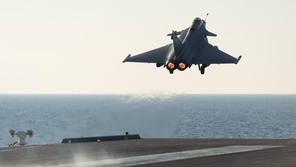 Pesawat Tempur Israel Gempur Jalur Gaza Usai Serangan Roket