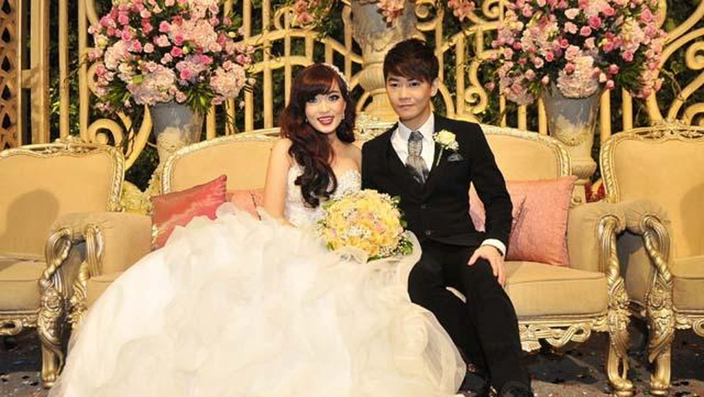 Dua Minggu Menikah, Angel Cherrybelle Masih Merasa Seperti Mimpi