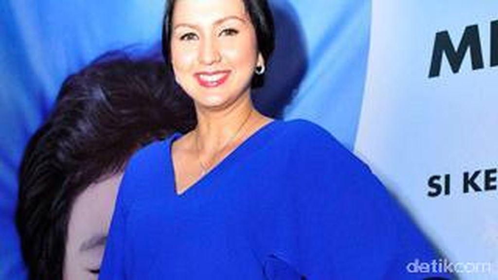 Ibunda Donna Agnesia Wafat Ketika Tidur