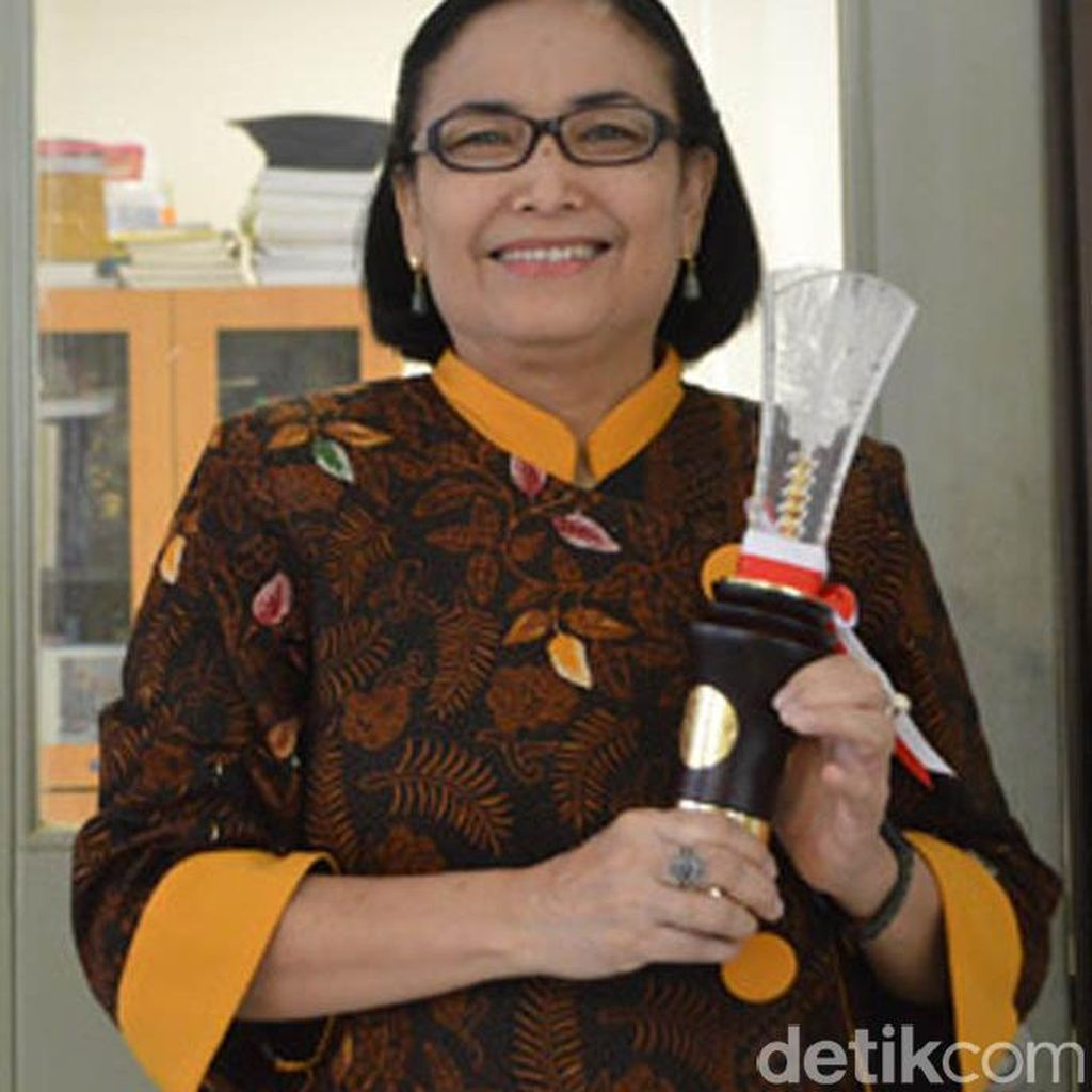 Endang Sutriswati Rahayu, Periset Keamanan Pangan Lokal Penerima Penghargaan Presiden