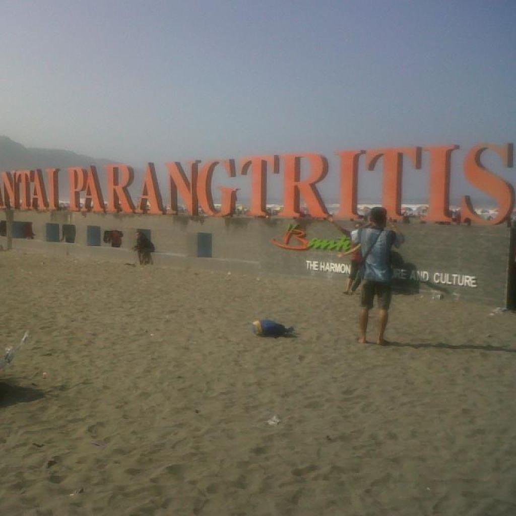 Tak Pernah Bosan Berkunjung Ke Pantai Parang Tritis
