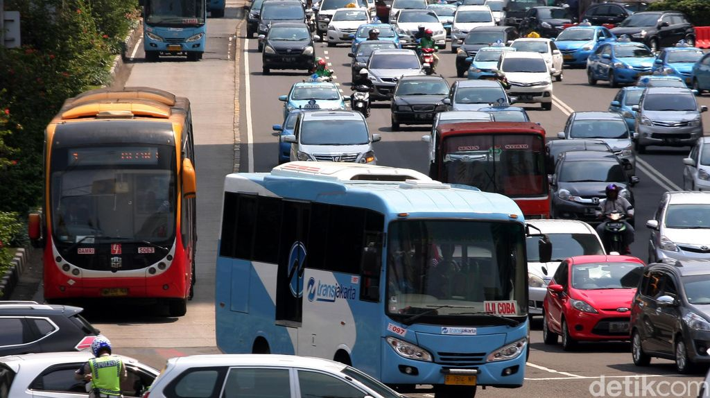 Informasi Bus Pengumpan TransJ Masih Minim, Banyak Penumpang Kebingungan