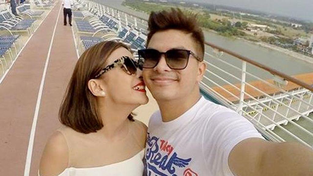 Never Ending Honeymoon! Chelsea dan Glenn Mesra di Kapal Pesiar
