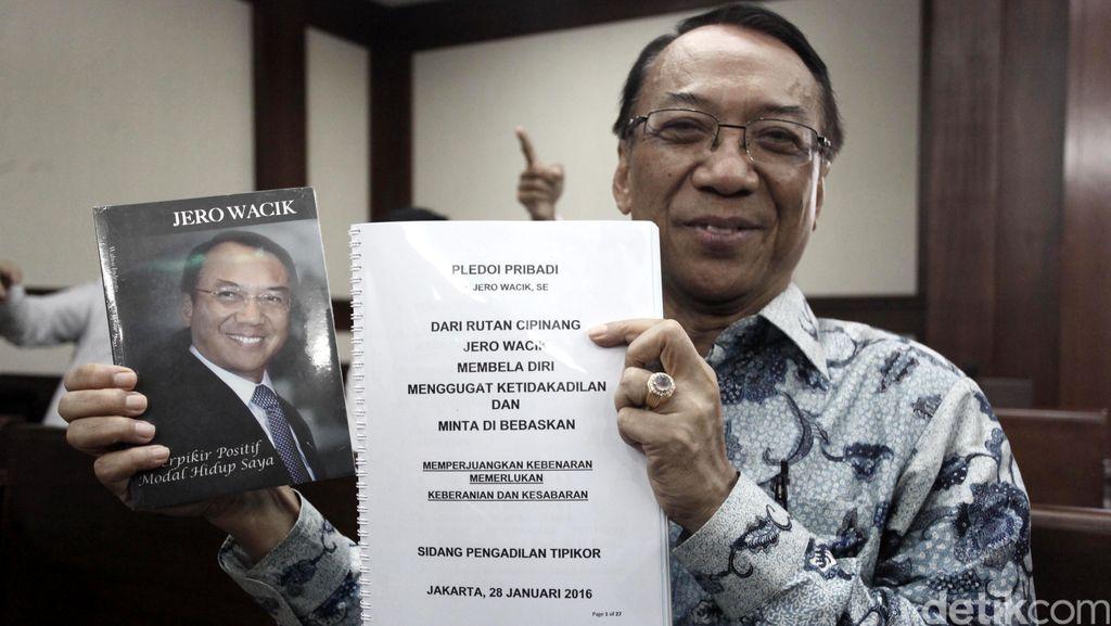 Hakim Artidjo Perberat Hukuman Jero Wacik Jadi 8 Tahun