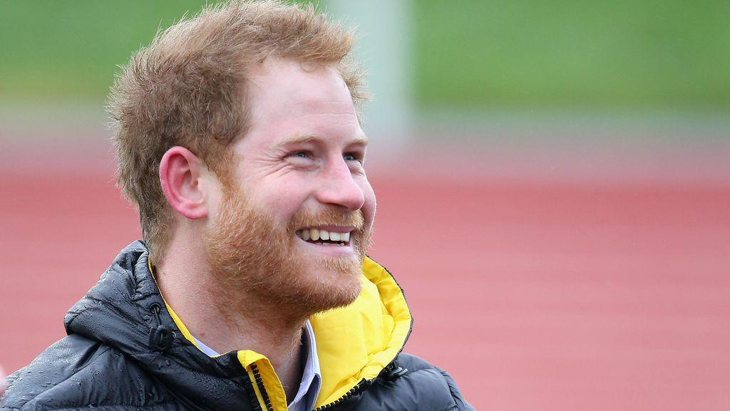 Gara-gara Foto, Pangeran Harry Dikabarkan Pacari Cewek Cantik Ini
