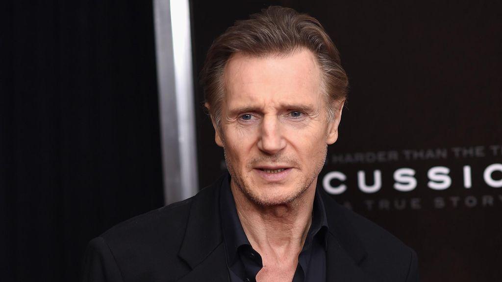 Kristen Stewart Disebut Sebagai Pacar Baru Liam Neeson
